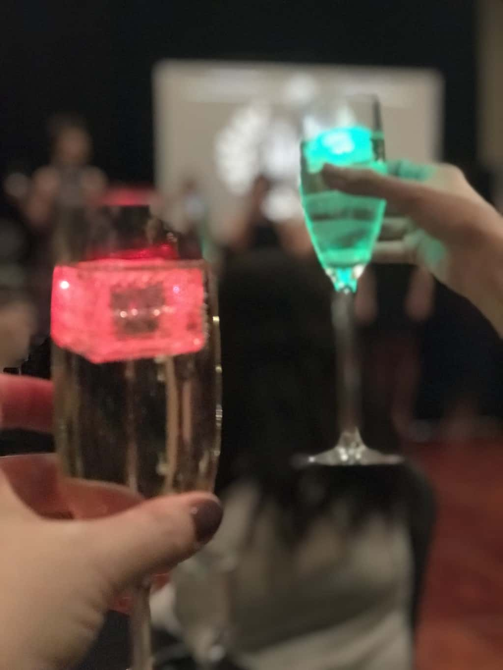 Glo cubes light up drinks